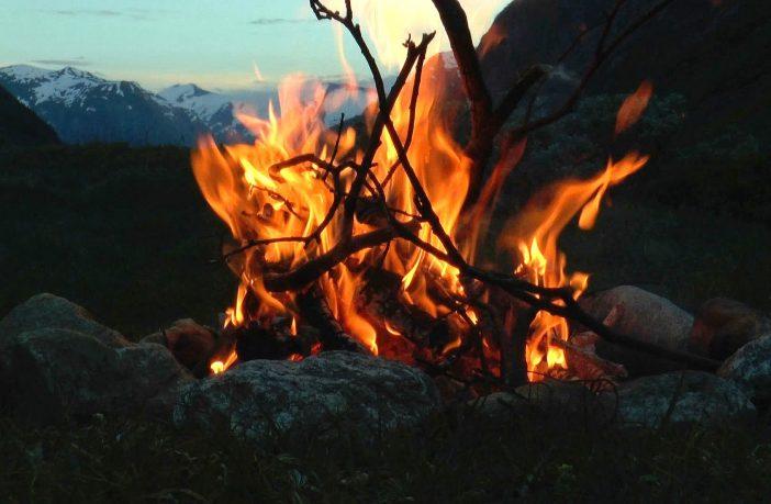 hunting_campfire